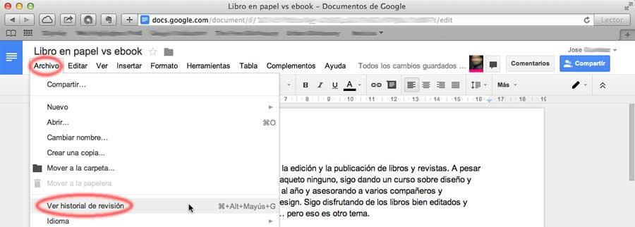 Captura de acceso al historial de revisión en Google Docs