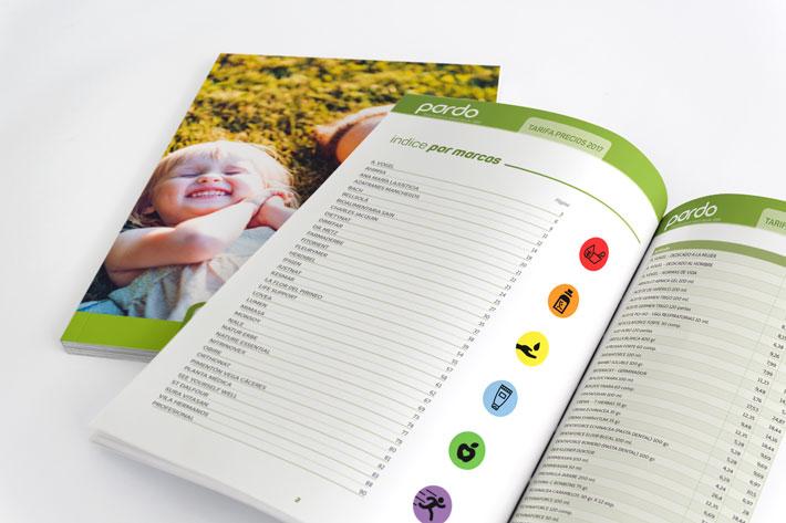 Doble página interior y portada de libro de tarifas